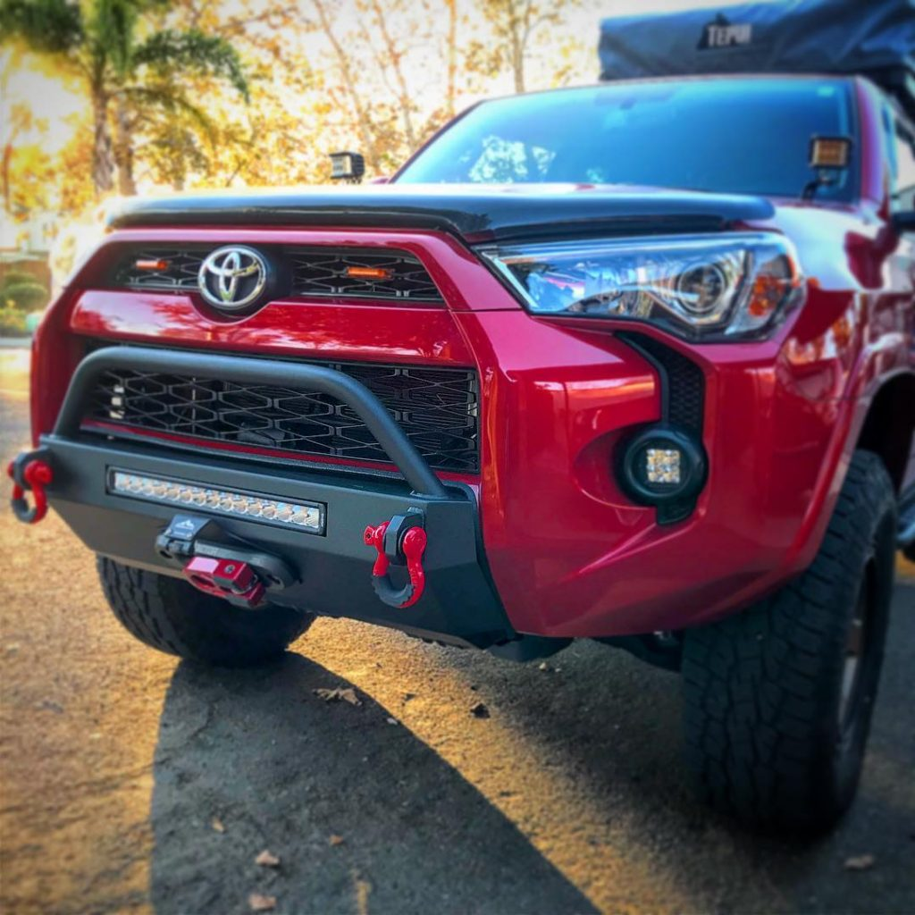 Southern Style 4Runner Slimline Hybrid Front Bumper with 20 in. Heise LED 2014+