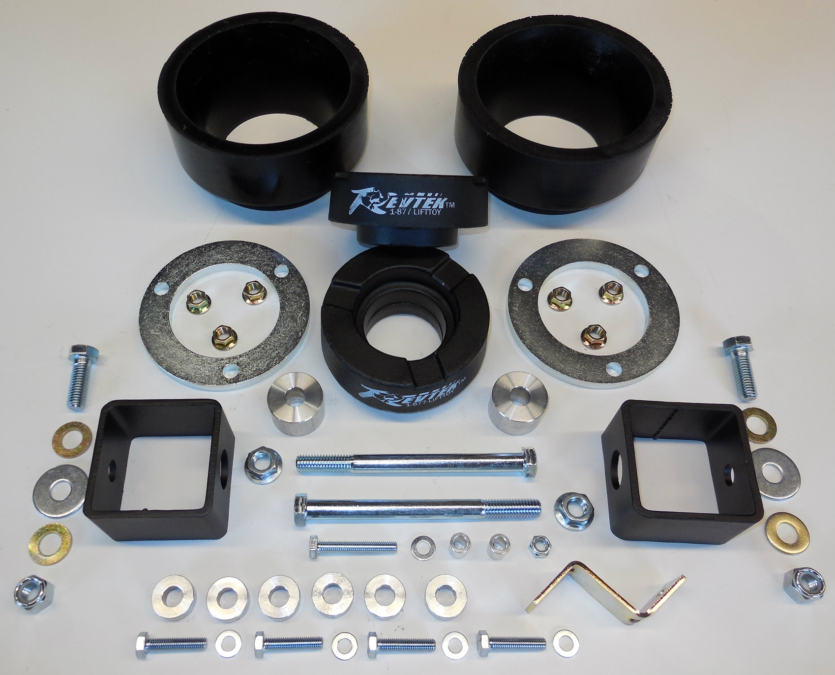 Revtek Kit 432 – 3″ Front / 2″ Rear Split Spacer System